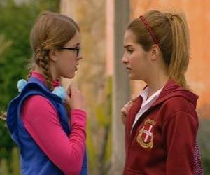 Puzzle Antonella et Patito dit qui ne sont pas sœurs parce que son père n'est pas Leandro