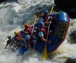 Puzzle Aventuriers à la rivière avec un bateau pneumatique