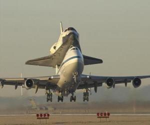 Puzzle Avion transportant de la navette spatiale