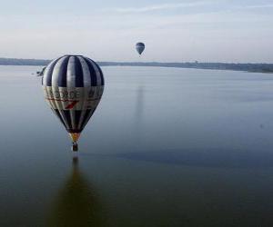 Puzzle Ballon volant sur l'eau