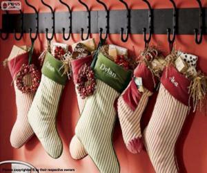 Puzzle Bas accrochés avec des cadeaux de Noël