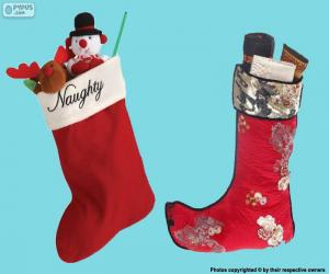 Puzzle bas de Noël avec des cadeaux à l'intérieur