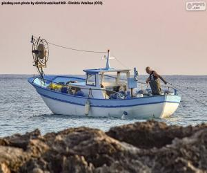 Puzzle Bateau de pêche en mer