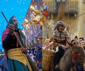 Puzzle Befana est une vieille femme souriante volant sur un balai transportant de bonbons ou de charbon pour des enfants en Italie