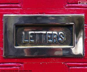 Puzzle Boîte aux lettres sur une porte rouge