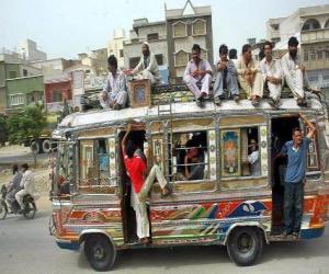 Puzzle Bus, Karachi