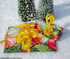 Puzzle Cadeaux avec ruban jaune