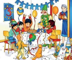 Puzzle Caillou avec des amis pour leur anniversaire