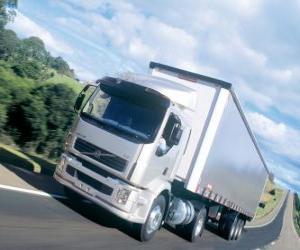 Puzzle Camion Volvo VM est un camion moyen