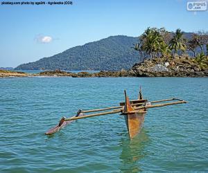 Puzzle Canot en bois sur la côte de l'Afrique