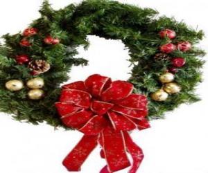 Puzzle Couronne de Noël décoré avec un large ruban et les balles