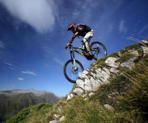 Puzzle Cycliste prêt pour une course de descente sur son vélo