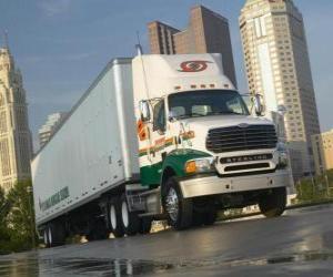 Puzzle de remorques de camions dans la ville