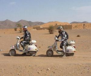 Puzzle Deux aventuriers sur une moto