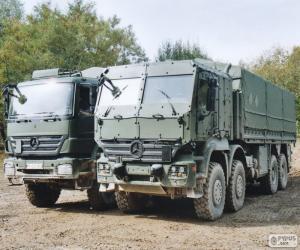 Puzzle Deux camions militaires