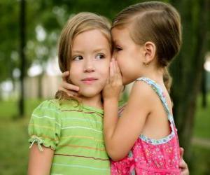 Puzzle Deux jeunes filles faisant des confidences