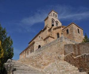 Puzzle Eglise romane construite dans la pierre