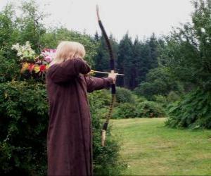 Puzzle Elfe chasseur armé d'arc et flèche prête à tirer