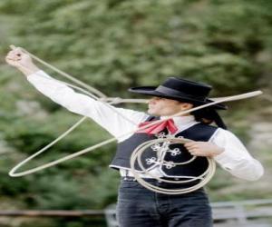 Puzzle Femme cowboy lanceant le lasso