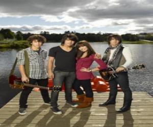 Puzzle Frères Grey (Jonas Brothers) et Mitchie Torres (Demi Lovato)