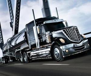 Puzzle Gros camion noire
