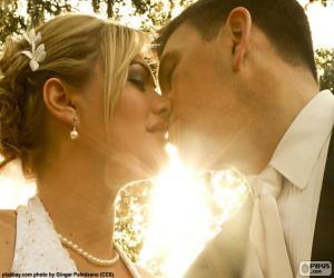 Puzzle La mariée et le marié baiser