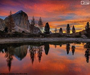Puzzle Le beau lac Di Limides, Italie