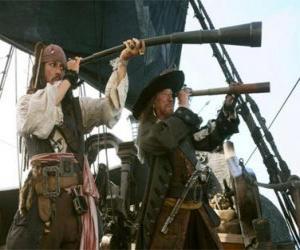 Puzzle Le capitaine du navire pirate en regardant un autre navire avec le télescope