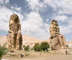 Puzzle Les colosses de Memnon sculptures de pierre représentant le pharaon Amenhotep III, Luxor, Égypte