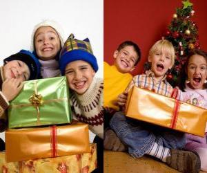 Puzzle Les enfants avec des cadeaux de Noël