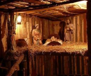 Puzzle Les figurines de la Crèche de Noël dans un petit bâtiment en bois