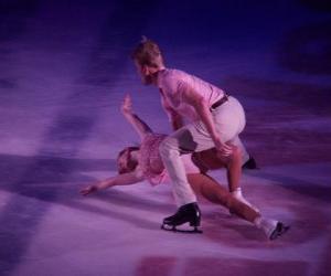 Puzzle Les patineurs artistiques dans une patinoire