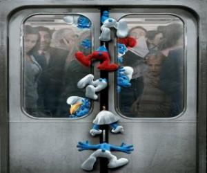 Puzzle Les Schtroumpfs sont pris dans les portes du métro - Les Schtroumpfs, film -
