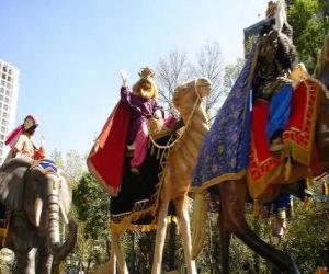 Puzzle Les trois Rois Mages à dos de chameaux