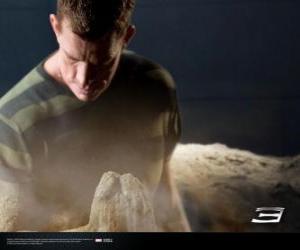 Puzzle L'Homme-sable, Sandman commence le processus de transformation de son corps
