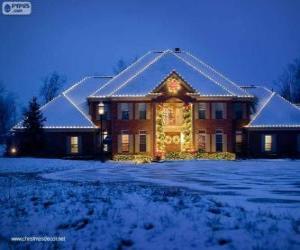 Puzzle Maison décorée avec des décorations de Noël