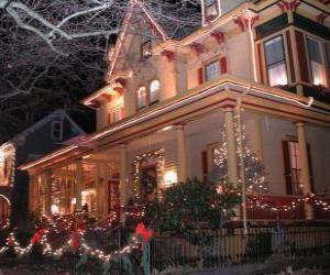 Puzzle Maison décorée pour Noël