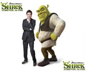 Puzzle Mike Myers est la voix de Shrek dans le dernier film Shrek 4 ou Shrek, il était une fin