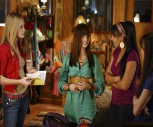 Puzzle Mitchie Torres (Demi Lovato) de Tess Tyler (Meaghan Jette Martin) et Margaret