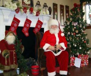 Puzzle Père Noël assis en face de la cheminée