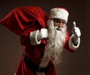 Puzzle Père Noël en portant le sac de jouets et marchant furtivement