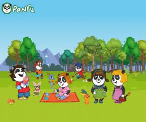 Puzzle Plusieurs jeunes pandas de Panfu dans le parc