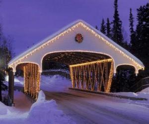 Puzzle Pont couvert décoré pour Noël