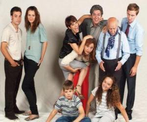 Puzzle Portrait de famille avec les grands-parents, parents et petits-enfants