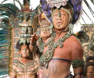 Puzzle Prêtre aztèque fait une offrande aux dieux