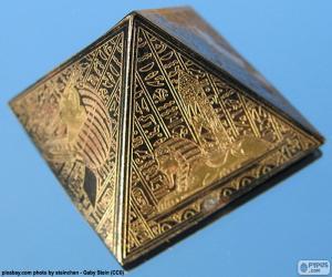Puzzle Pyramide de base carrée
