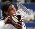 Rafa Nadal avec un trophées