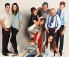 Portrait de famille avec les grands-parents, parents et petits-enfants