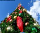 Arbre de Noël avec des boules de Noël