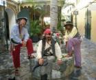 Trois pirates, le capitaine et ses assistants